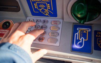 Bankomat niewypłacił gotówki, czyli jak uzyskać zwrot pieniędzy niesłusznie pobranych zkonta?