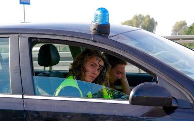 Włamanie nakonto bankowe: nowa metoda kradzieży! Oszuści podszywają się podpolicjantów!